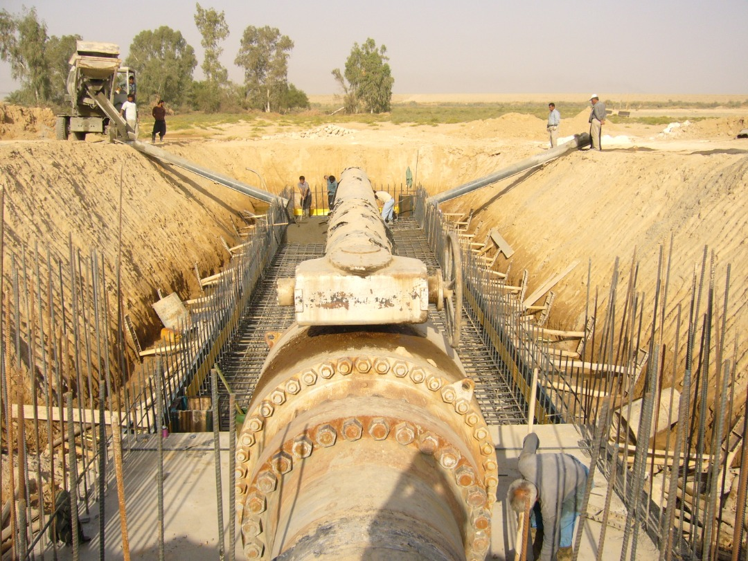 Redirecting 4323 meter long underground 42 inched pipeline of heavy crude oil in the vicinity of Ramshir embankment dam via PC method