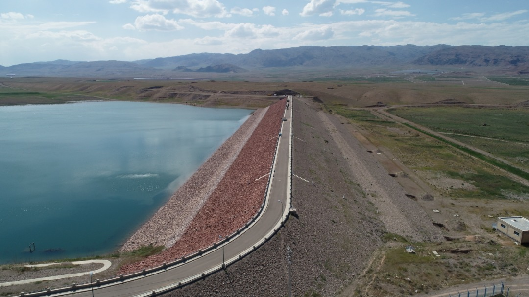 Executive operation of Golfaraj embankment dam of Jolfa and main transmission canals (supply and distribution)